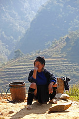 Waiting (stevech) Tags: morning red mountain black cold flower color girl women village market traditional hill sunday vietnam buy cai tribe sell minority lao sapa hmong dzao laocai hilltribe bacha