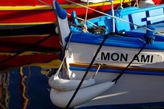 With a little help from my friend (Loran de Cevinne) Tags: var pointu pointus mer mditerrane bateau pentax