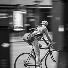 Looking Back (Mario Rasso) Tags: mariorasso nikon chicago bike illinois girl blackandwhite blancoynegro blackwhite d800