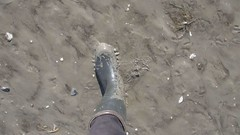 Marchons dans la vase (WelliesWalker) Tags: fun mud vase wellies bottes quicksand
