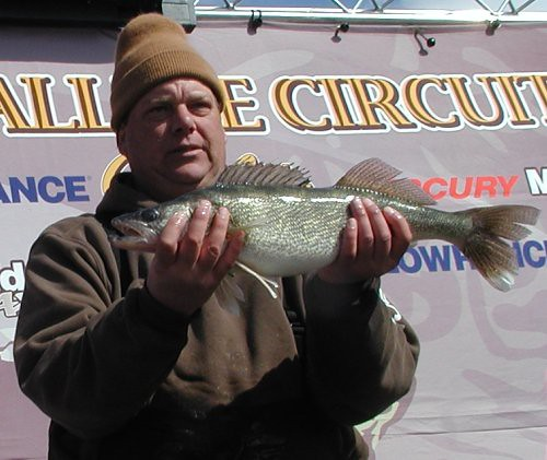mwc03-26-11team64596walleye