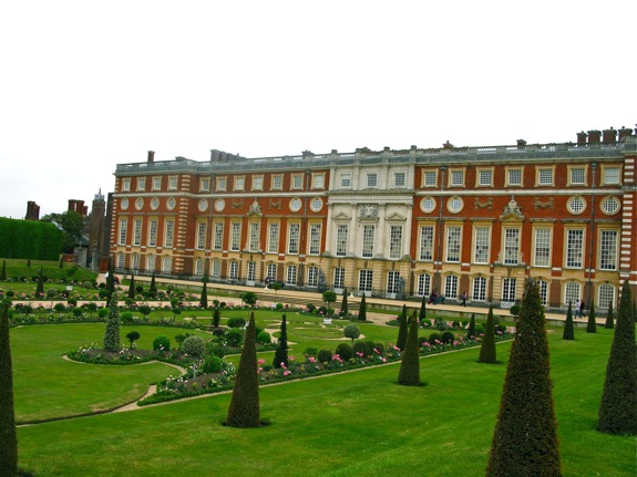 hampton court england 008