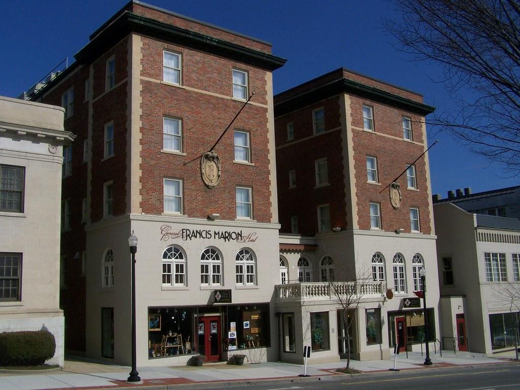 Hotel Lincoln- Marion VA