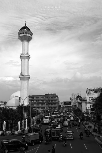 Menara Mesjid Agung Bandung by fadeyjevera