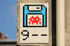 Paris 11me (PA_9??) (Meteorry) Tags: street paris france art europe nine spaceinvader spaceinvaders tiles floppy invader disc pixels rue neuf numbered artderue mosaques carrelage carreaux meteorry