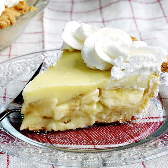 Make a Great Cream Pie Filling in a Microwave-banana cream pie slice on a plate