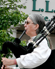 Bagpiper (Me in ME) Tags: maine parade bagpipes freeport 4thofjuly independenceday