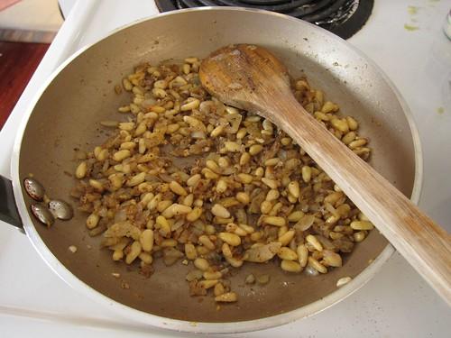Onion-pine nut saute