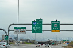 southbound I-15 at 600 North (CountyLemonade) Tags: sign utah highway ramp saltlakecity freeway shield exit i15 gantry interstate15 expresslane biggreensign hovlane overheadsign highoccupancyvehicle electronictoll