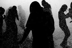 Monumento a la Revolución - 22/04/2011 - 14 (HippolyteBayard) Tags: canon mexico agua fuente unam sombras ciudaddemexico semanasanta distritofederal monumentoalarevolución juancarlosmejiarosas perrarabiosa escuelanacionaldeartesplásticas