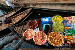 Untitled (Taste_of_Cherry) Tags: morning apple water fruit lunch boat terminal business transportation buy dhaka sell bangladesh seller buyer sadar ghat