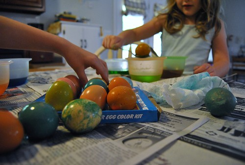 egg dying fun