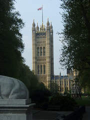 View of Westminster Palace from Victoria Tower Gardens (a3rynsun) Tags: london tower westminster gardens palace victoria westminsterpalace victoriatowergardens
