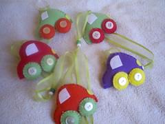 MÓBILE de carrinho. (Baby e Keridinha) Tags: ranger borboleta feltro móbile carrinhos carneirinhos decoraçãoinfantil enfeitedemaçaneta quartodemenino meiodetransportes