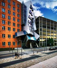 Stata Center at MIT (Jeff_B.) Tags: cambridge college boston architecture modern university state mit massachusetts gehry frankgehry statacenter whimsical massachusettsinstituteoftechnology rayandmariastatacenter building32