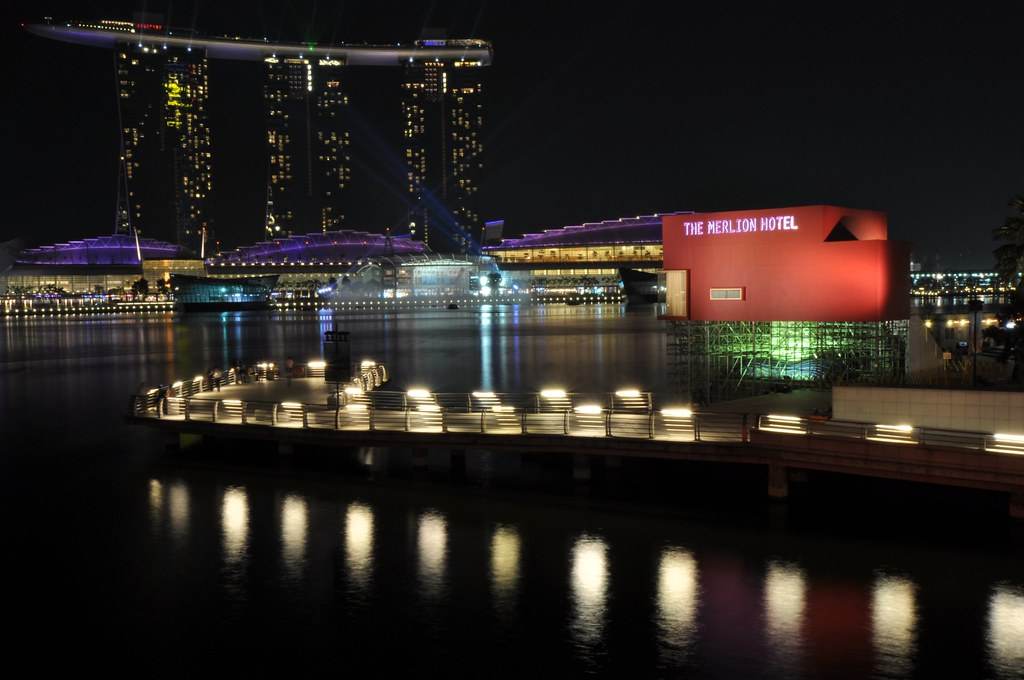 The Merlion Park 鱼尾狮公园 ...