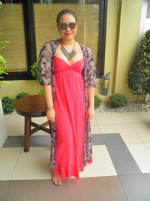 Danah Gutierrez of The Plump Pinay wears a maxi dress to Amanpulo