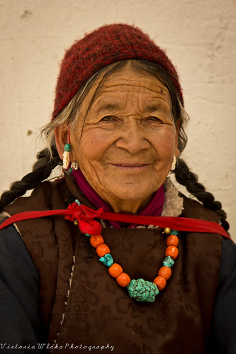 Friendly Ladakhi Lady by viwehei