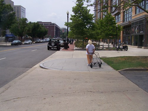 wide sidewalk, 400 block, K Street NE, east side