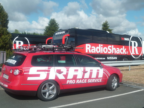 SRAM Pro Race support car