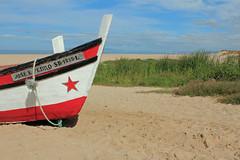 Praia do Meco (hans pohl) Tags: portugal sesimbra meco beaches plages bateaux ships nature lightly cloudy ensoleill atlantique landscapes paysages