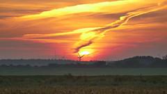 alles ist still (Don Bello Photography) Tags: herbst 2016 sonnenaufgang sonnenlicht sonne himmel himmelsbilder himmelszeichnungen himmelsgold himmelsmalerei himmelsfeuer wolken sky windrad dnenhof cuxhavenberensch wattwiesen nordsee norddeutschland northerngermany acdsee acdseeultimate9 panorama panasonicphotographer panasonicfz1000 lumixphotographer lumixfz1000 fz1000 reinhardbellmann donbello donbellophotography europa deutschland wow 2000views 150favorites 1000views 3000views 100favorites 50favorites