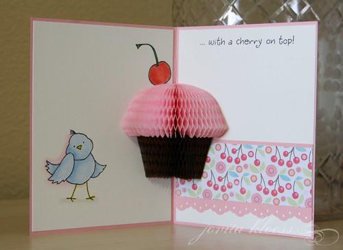 Cupcake Birdy 3-D Surprise