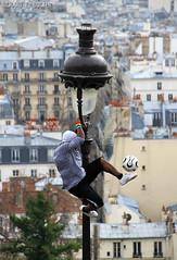 Montmartre - Paris (Richard E. Ducker) Tags: paris france football soccer frana skills montmartre futebol embaixada