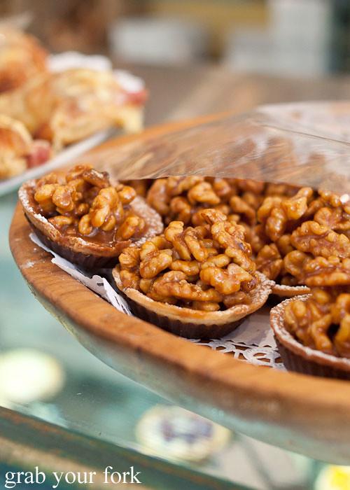 la banette walnut tart dessert