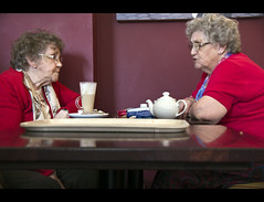"""""""And then she said......"""" (_K5_0305) ([Rossco]:[www.rgstrachan.com]) Tags: ladies portrait costa coffee scotland chat tea fife candid conversation sneaky tabletop dunfermline clandestine blether"""