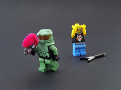 Hey punk! I need a reload! (Legohaulic) Tags: lego halo mohawk minifig masterchief needler