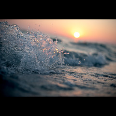 sunset and waves (Daniel Sanculi) Tags: ocean sunset beach water 50mm nikon waves f14g d700