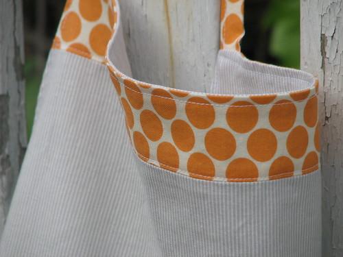apron detail1