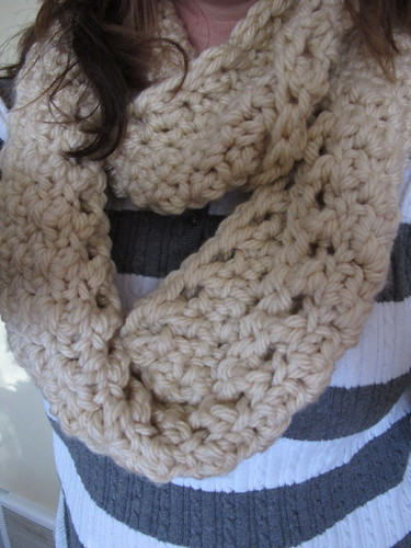 Fast and easy infinity cowl
