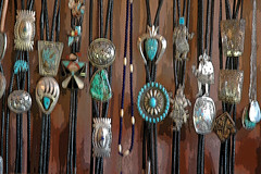 Dead Pawn (Woody H1) Tags: arizona nikond70 turquoise jewelry indians navajo hubbell