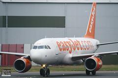G-EZEJ - 2214 - Easyjet - Airbus A319-111 - Luton - 110222 - Steven Gray - IMG_9767