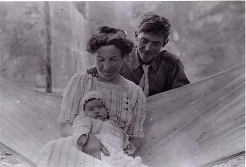 Hawver Ben & Lena & Baby Judy 1913