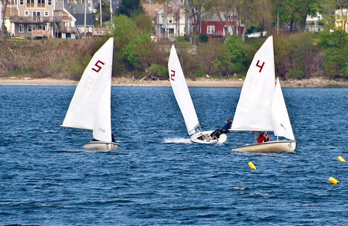 Sailboat lessons at RI Yacht Club