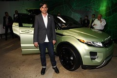 Josh Rubin with the Range Rover Evoque (Land Rover Our Planet) Tags: newyork landrover rangerover newyorkautoshow joshrubin newyorkmotorshow landroverourplanet rangeroverevoque eterraintechnologies newyorkautoshow2011