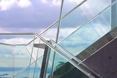 (Anders Hansen) Tags: ski glass grass k oslo norway stone architecture modern norge jumping contemporary hill 95 arkitektur holmenkollen hoppbakke 2011 arkitekter holmenkollbakken skibakke midtstubakken skivm landskapsarkitekter økaw grindaker