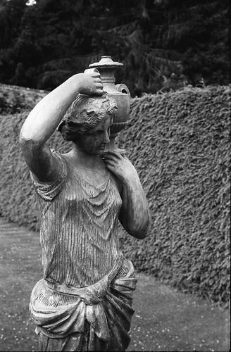 Statue, close
