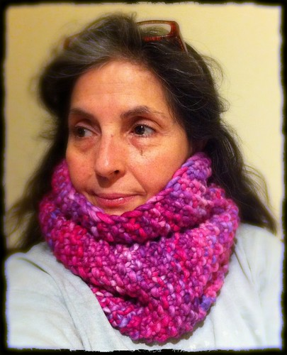 Snood Dogg in pink rasta