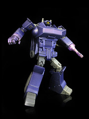 Masterpiece Shockwave (1) (frenzy_rumble) Tags: camera transformer icestorm hook custom commission fr sunstorm autobot reflector spyglass scavenger viewfinder mixmaster decepticon scrapper lacquer kitbash devastator longhaul bonecrusher spectro combiner enamels houseofkolors frenzyrumble frenzyrumblecom procustomizers peaugh seekershockwave