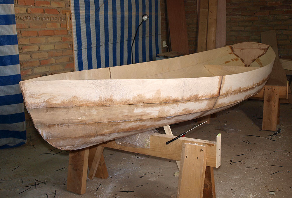 Una barca de remos 5601666196_49db4bf991_b