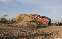 Isuzu Trooper (Pablo Lasheras Photography) Tags: espaa trooper car wheel four drive spain offroad 4x4 zaragoza coche di 28 offroading isuzu aragn todoterreno tropper