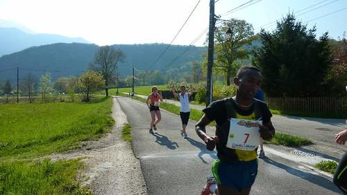 Marathon d'Annecy Anne et Danielle FINISHERS 17 avril 2011 130