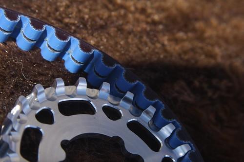 Center track helps to keep belt aligned.