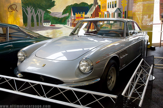 Ferrari 365 GTC_Museu Maranello Rosso