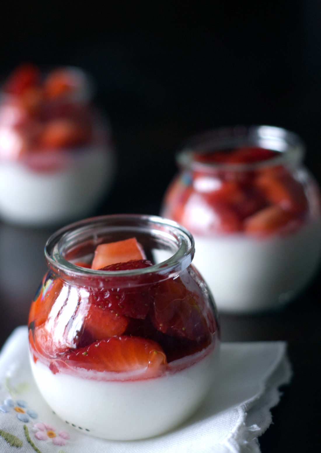 Panna cotta e morangos // Panna Cotta with Strawberries