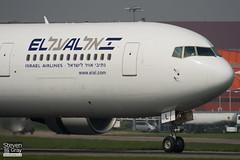 4X-EAL - 27477 - El Al Israel Airlines - Boeing 767-33AER - Luton - 110421 - Steven Gray - IMG_4471